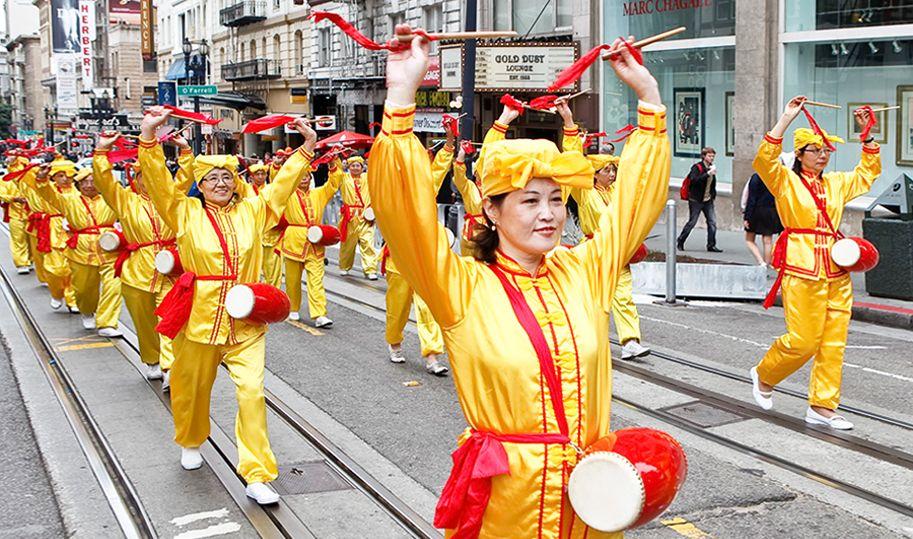 在德國開越南餐館  百忙之餘她上街打腰鼓