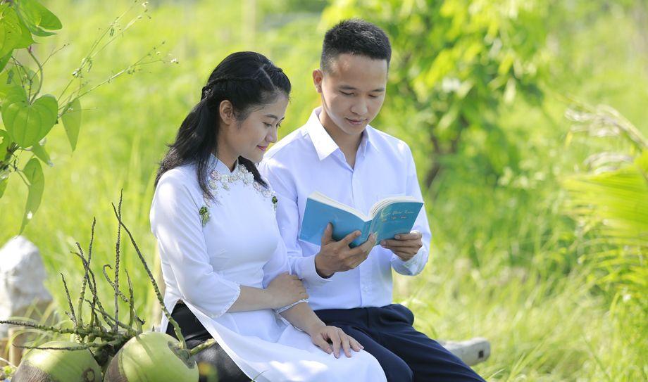 看完四本書  越南女子從自私變寬容